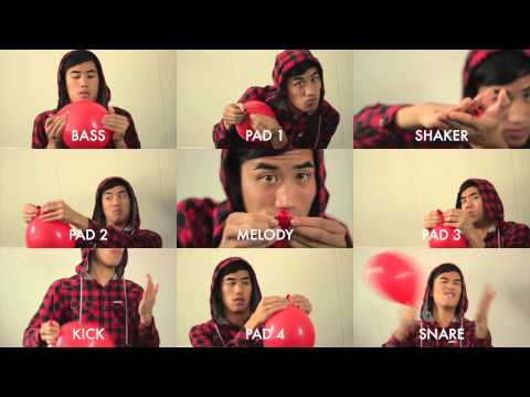 99 Red Balloons played with red balloons
