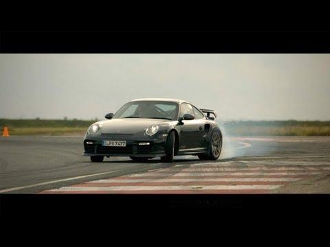 درفت نيسان جوك و بورش  911 GT2