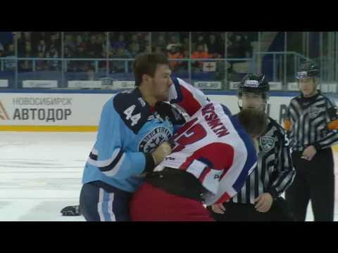 KHL Fight: Artyukhin KO's Nichushkin (видео)