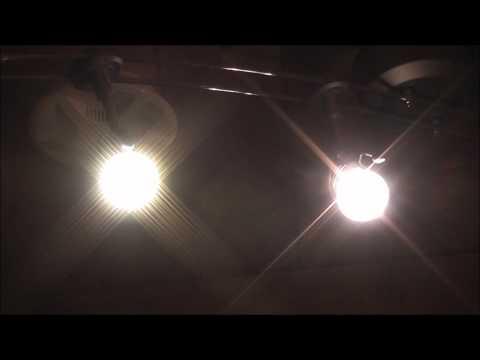 Vergleich einer LED Lampe mit einer Halogen Lampe (beide GU 5.3)