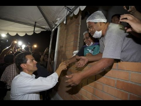Peña Nieto llega a la zona de desastre en Coahuila