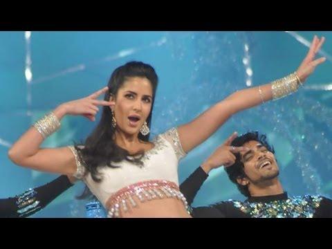 Katrina Kaif's SEXY Performance For 'Umang'
