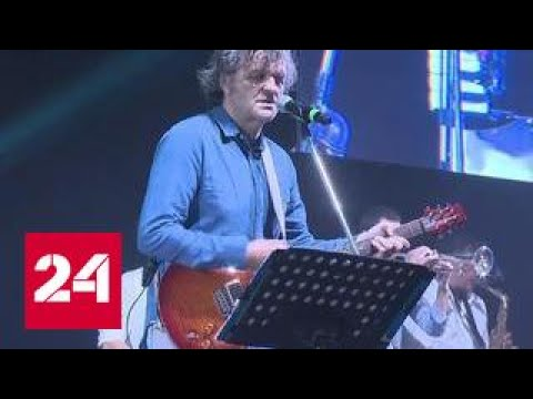 , title : 'Эмир Кустурица дал концерт в Крыму'