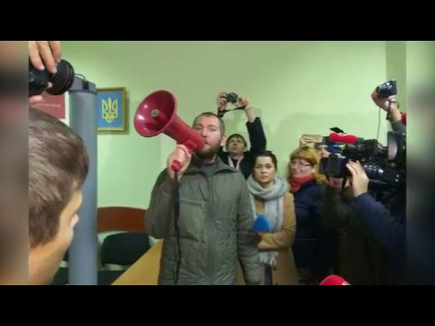 Хто організував мітинг під стінами Рівненської облдержадміністрації? [ВІДЕО]