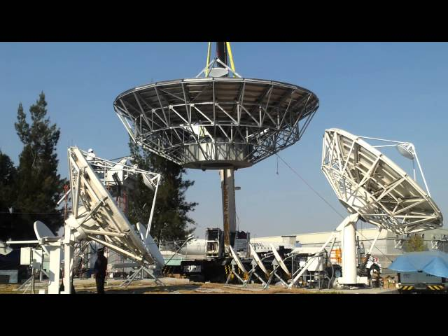 Instalación de antena de 11m para red 11K