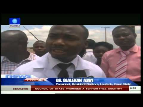 LAUTECH Resident Doctors Protest Non Payment Of Salaries 130515