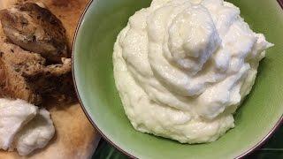 How To Make Garlic Sauce - Toum - Easy Recipe