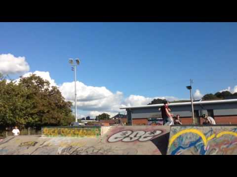 Glastonbury skatepark chills with Dan