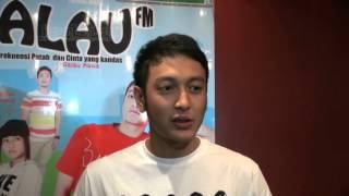 Nonton Dimas Anggara Kesulitan Berperan Di Radio Galau  Film Subtitle Indonesia Streaming Movie Download
