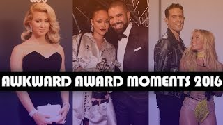 Video 10 Most AWKWARD Award Show Moments of 2016 MP3, 3GP, MP4, WEBM, AVI, FLV Oktober 2018