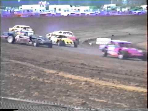 Dirt Track Racing : 1st Heat Race IMCA Modified Indep. Motor Speedway 1980's