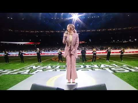 Lauren Daigle sings Star Spangled Banner