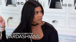 Video KUWTK | Kourtney Kardashian Conflicted Over Scott's Birthday Party | E! MP3, 3GP, MP4, WEBM, AVI, FLV Juni 2018