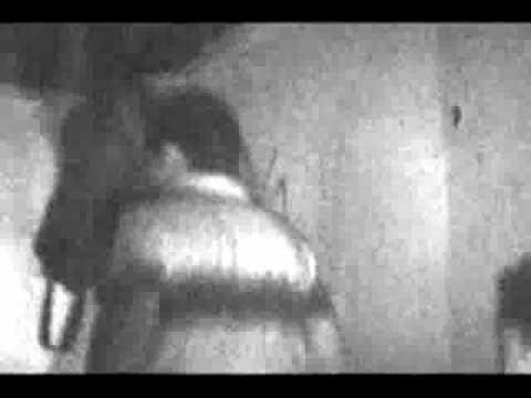 apparizione del fantasma di una bambina in una casa abbandonata