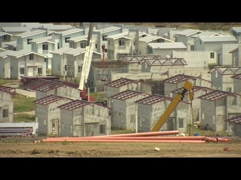 Philippines - A major housing development in the Philippines tries to combine happy and healthy living. Pauline Chiou reports. For more CNN videos, visit our site at http:...