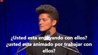 Bruno Mars conferencia de prensa para la Super Bowl traducida al español