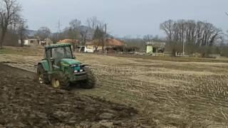 Video JOHN DEERE 8310 VUČE PET BRAZDI PLUG MP3, 3GP, MP4, WEBM, AVI, FLV November 2017
