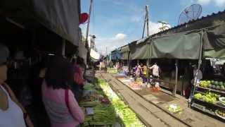 **{Bangkok}{Floating Market}{Train Market}{China Town}**