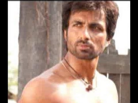 Sonu Sood charges Rs.80 lac for a south film
