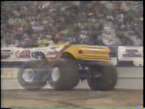 1988 RENEGADE / TNT MONSTER TRUCK CHALLENGE ROUND 1 FROM THE INDIANA HOOSIER DOME