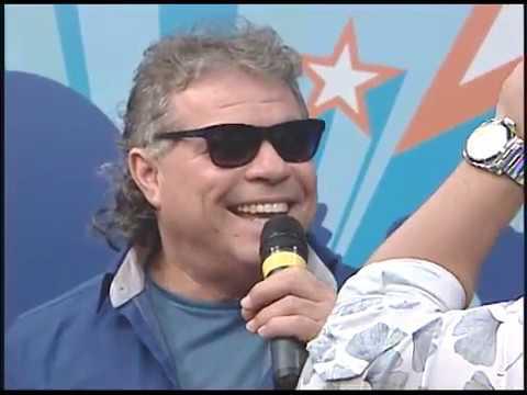 [TRIBUNA SHOW] Augusto César canta Deita e Rola