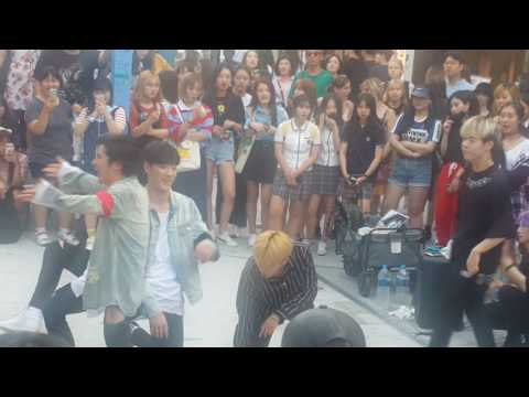 [MAXXAM 맥스] 세븐틴 ☆예쁘다☆ 커버안무 홍대댄스버스킹 20170623금 [Korean Hongdae Kpop Dance Busking]