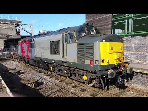 Stafford Railway Station 37884 Europhenix chills in the sun on the 29th Sep 2017