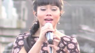 Video Yura - Berawal Dari Tatap ~ Cinta Dan Rahasia @ Prambanan Jazz 2016 [HD] MP3, 3GP, MP4, WEBM, AVI, FLV Desember 2018