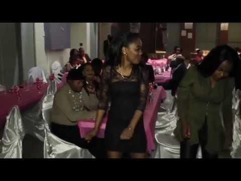 TÉLÉ 24 LIVE: Première communion de Blessing Nkiele et Lovely Kingolo