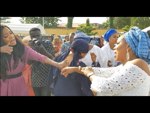 Toyin Aimakhu,Fathia Balogun Dance shaku shaku With Other Actress At Dayo Amusa Dad Burial ceremony