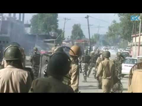 Intense Clashes Erupt in South Kashmir On Eid Day