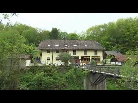 Γερμανία: Εντοπίστηκαν πέντε πτώματα τρυπημένα με βέλη…