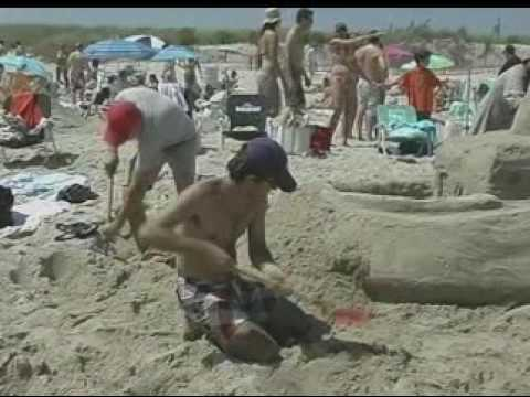 East Hampton Sandcastle Contest 2009 Part 2