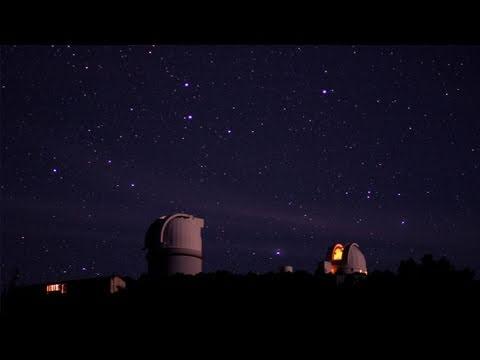 Schwarze Löcher und Sternenhimmel