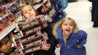 WWE Figure shopping with The Little Grimmettes! Toysrus action aisle store Christmas review