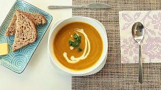 Sopa de cenoura com coentro