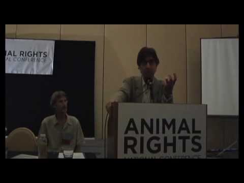Gary Francione & Bruce Friedrich discuss Francione's animal rights theories (abolitionist approach)