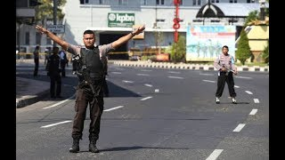Video Indonesia police station attacked in wake of church bombings MP3, 3GP, MP4, WEBM, AVI, FLV Mei 2018