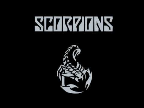 SCORPIONS-when the smoke is going down(original):  ho pensato di mettere la versione più bella di una canzone che non ha bisogno di presentazioni.
