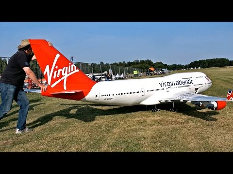 Worlds Biggest RC Airplane!  So Cool!