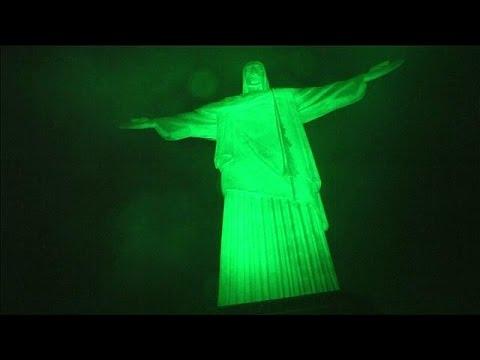 Το Δουβλίνο βάφτηκε «πράσινο» για τον Άγιο Πατρίκιο