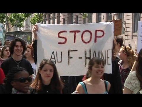 Des milliers de jeunes manifestent contre le FN – 29/05