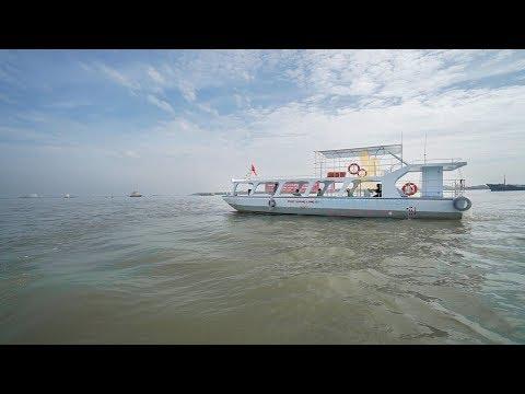 Du Thuyền Ngựa Biển - Hạ thủy tàu đáy kính