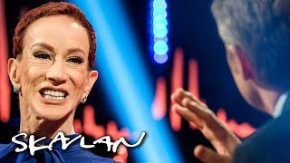 Video Kathy Griffin on why she reluctantly apologized for Trump «beheading» | Skavlan MP3, 3GP, MP4, WEBM, AVI, FLV Januari 2018