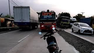 Video Bus Warga Baru Ngeblong VS Supra Fit di Jalan Pantura Ciasem Subang MP3, 3GP, MP4, WEBM, AVI, FLV Juli 2018