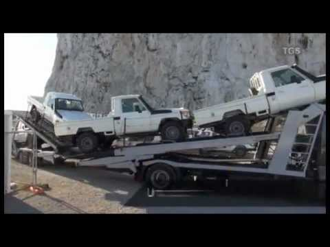 landcruiser - The Day in the Life of a Toyota Land Cruiser 79 Pick-Up. Following the stages that the Pick-Up goes through to meet with customer's order. In this case the v...