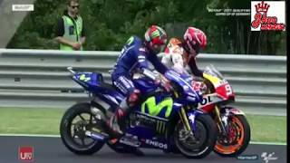 Video Maverick Vinales vs Marc Marquez Senggolan di Sirkuit Sachsenring Jerman - MOTOGP 2017 MP3, 3GP, MP4, WEBM, AVI, FLV September 2018