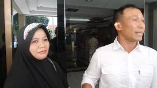 Video Edan, Istri Dipaksa Masuk Rumah Sakit Jiwa Karena Suami Ingin Nikah Lagi MP3, 3GP, MP4, WEBM, AVI, FLV Desember 2017