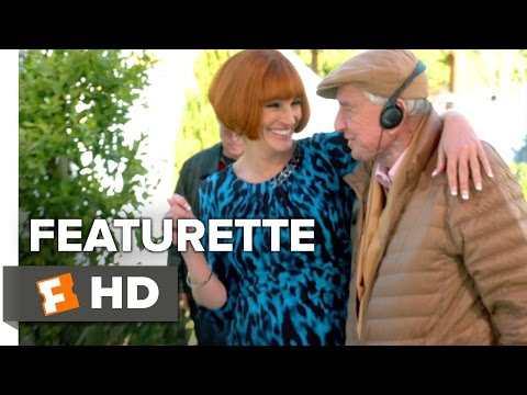 Mother's Day (2016) (Featurette 'An Inside Look')