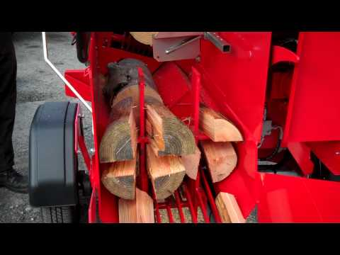 Hakki Pilke Carry 25 (previously known as the 2x S+ Carry) trailed firewood processor